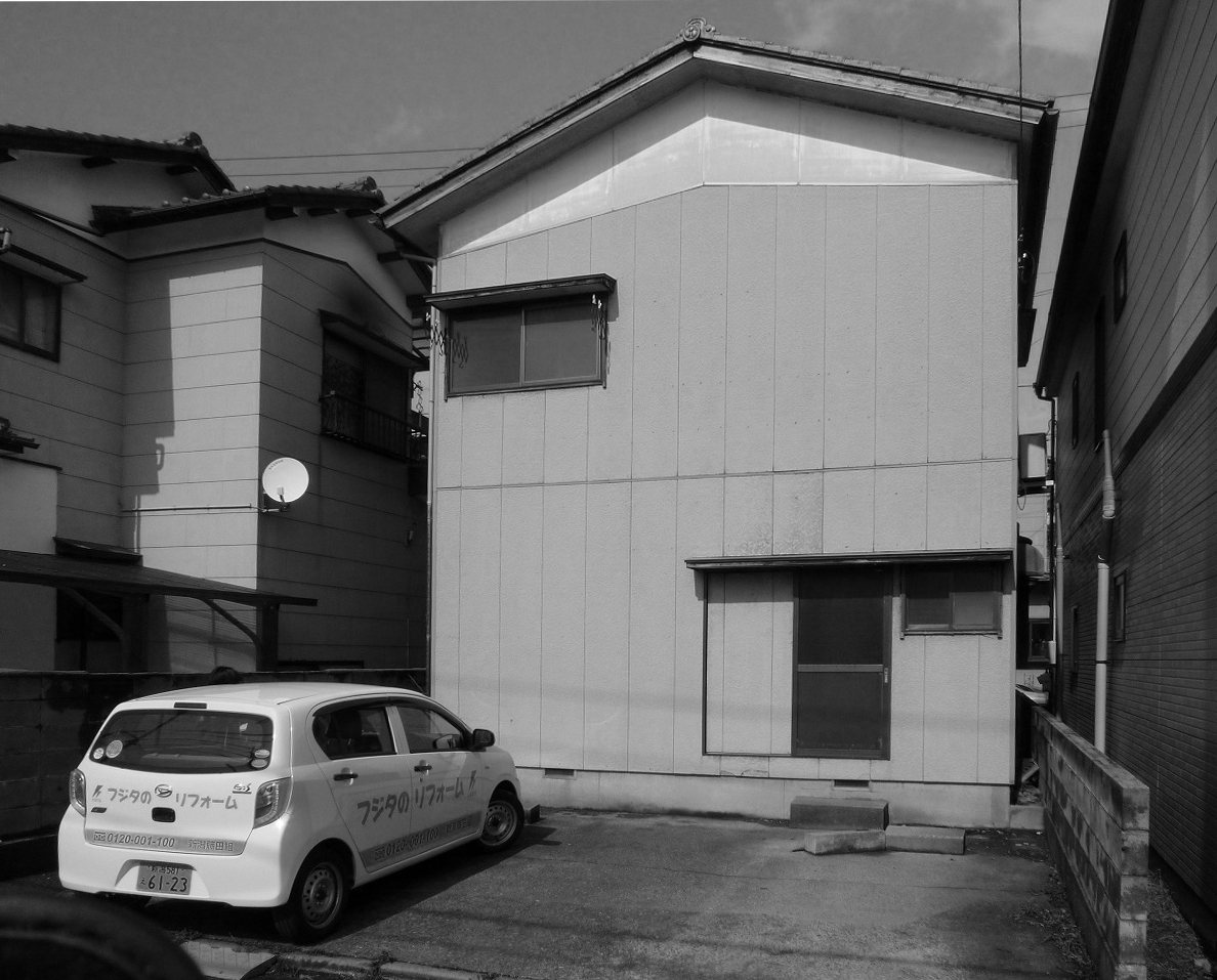 外観【駐車場側】