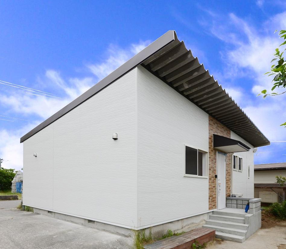 大きな車庫を大胆に住居へとリノベーションしました。