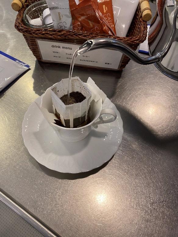 新潟藤田組 住まいの相談館でコーヒーを楽しむ